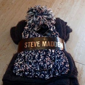 NWT Steve Madden Scarf and Pom Pom Hat